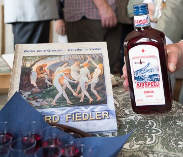 Eduard Fiedler - Öl auf Leinwand und Pflaume im Glas